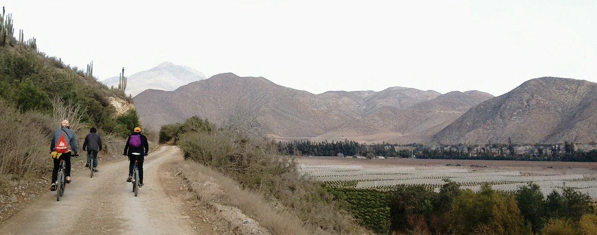 Photo of El ciclismo se vive en Vicuña con los bellos paisajes del Valle del Elqui