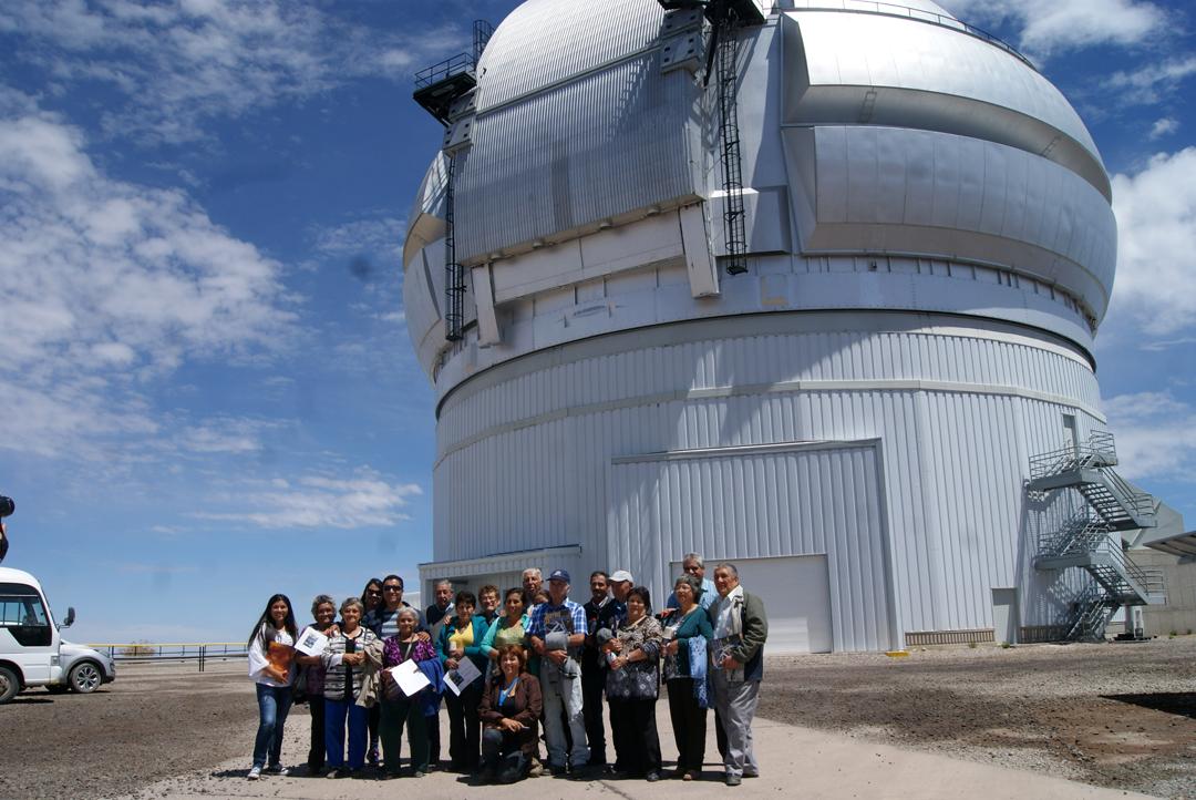 Photo of Adultos mayores de Quebrada de Paihuano visitaron observatorio Científico Gemini