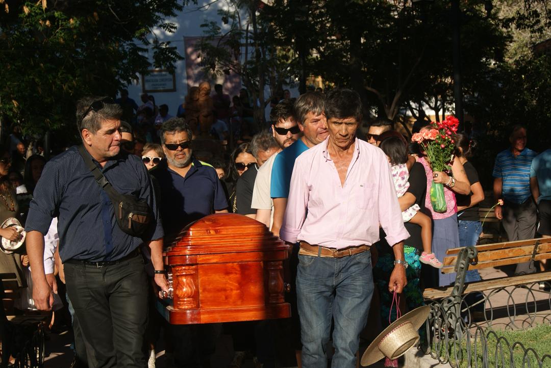 "Photo of Multitudinaria despedida rindió Paihuano ha conocido radio controlador ""Panchito"" Castillo"