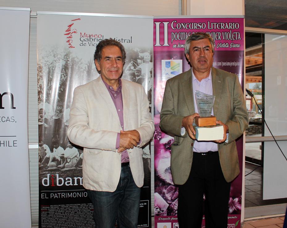 """Photo of Profesor peralillano recibió con orgullo el 1er lugar del concurso """"Poemas para la mujer Violeta"""""""