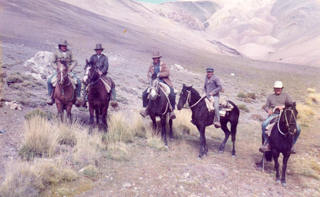 Photo of Hombres de Cordillera