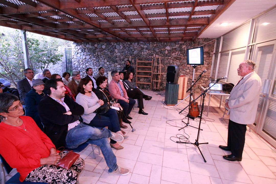 Photo of Presentan a la comunidad la revista digital de agrupación literaria Elquialmar