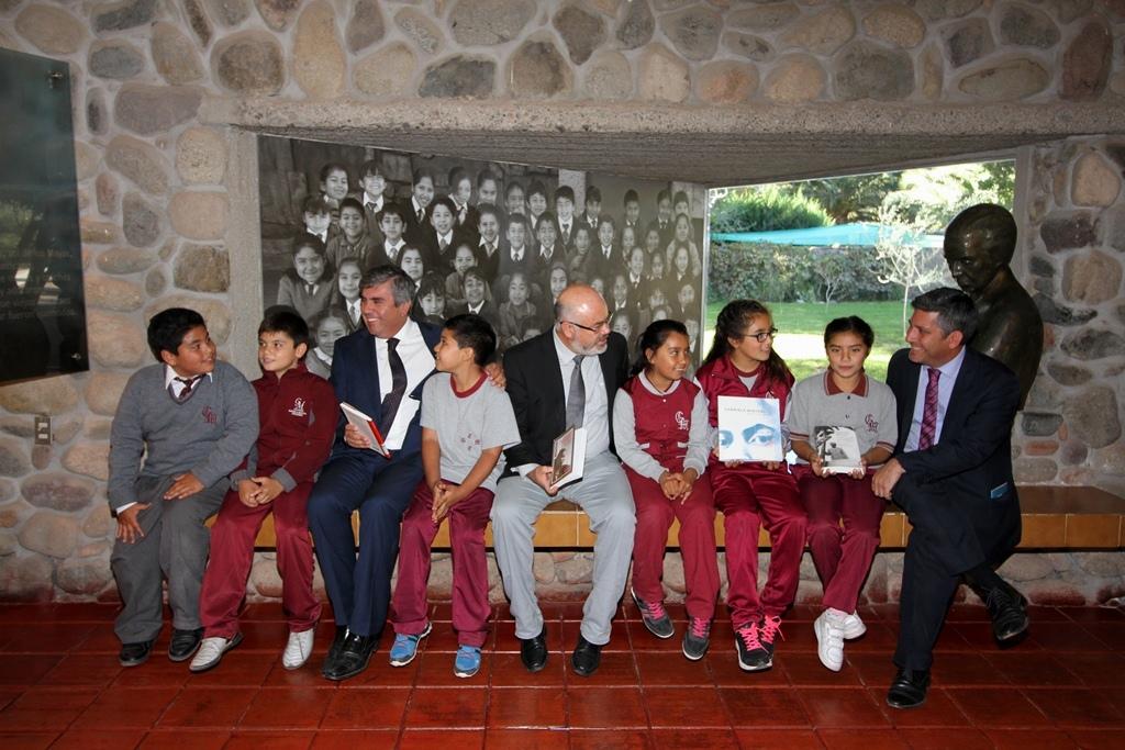 Photo of Resaltan  labor de maestra y el legado literario de Gabriela Mistral en acto oficial por su natalicio