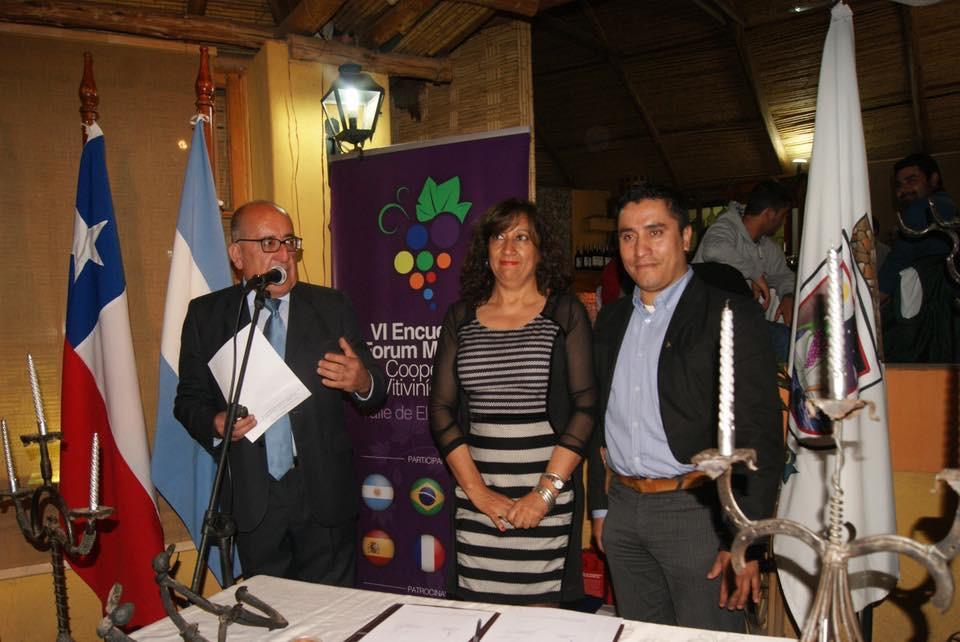 Photo of Con la firma de un convenio entre Paihuano y Chilecito finalizó primera jornada del Foro Vitivinícola