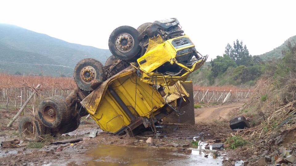 Photo of Chofer gravemente herido tras volcamiento de camión en El Guairabo