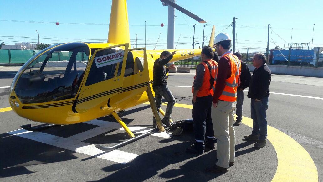 Photo of CONAFE lleva energía a sector La Viñita Alta de Vicuña con uso de helicóptero