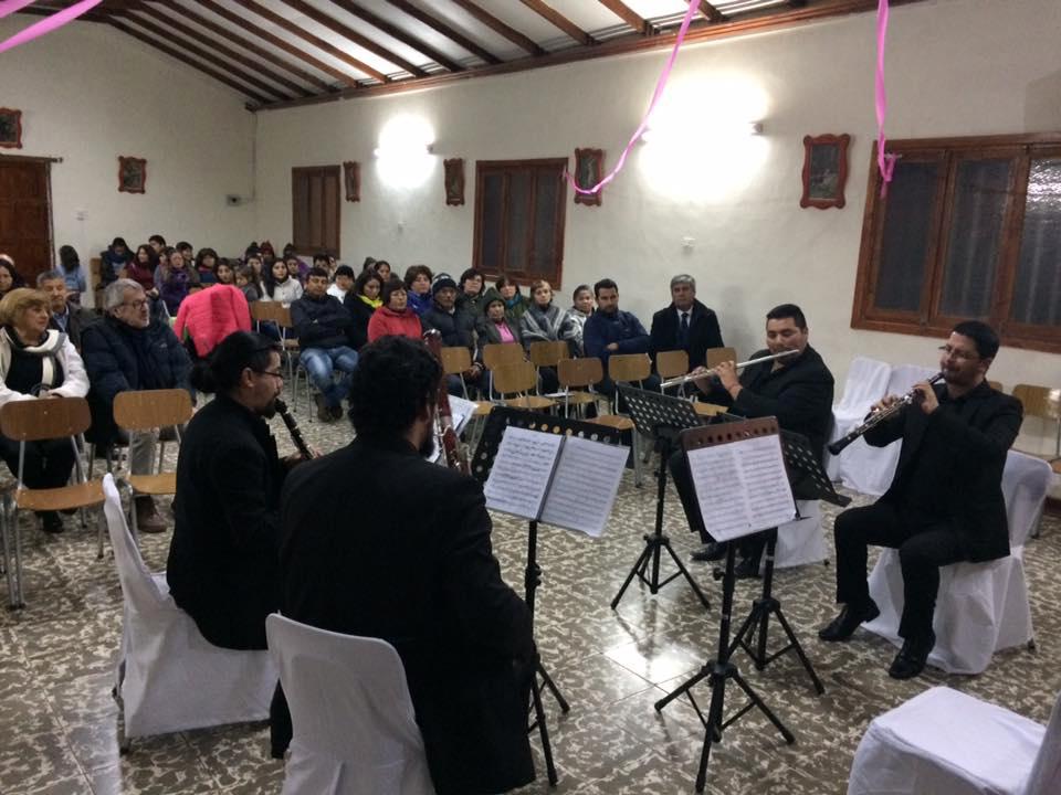Photo of Ante un público atento se presentó el Concierto de Cámara en  la capilla de Calingasta