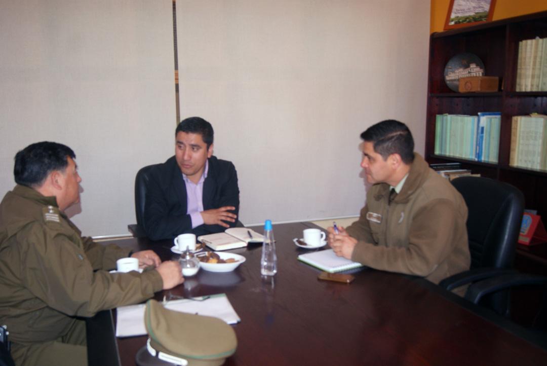 Photo of Analizan proyecto de mejoramiento de Tenencia de Carabineros de Paihuano