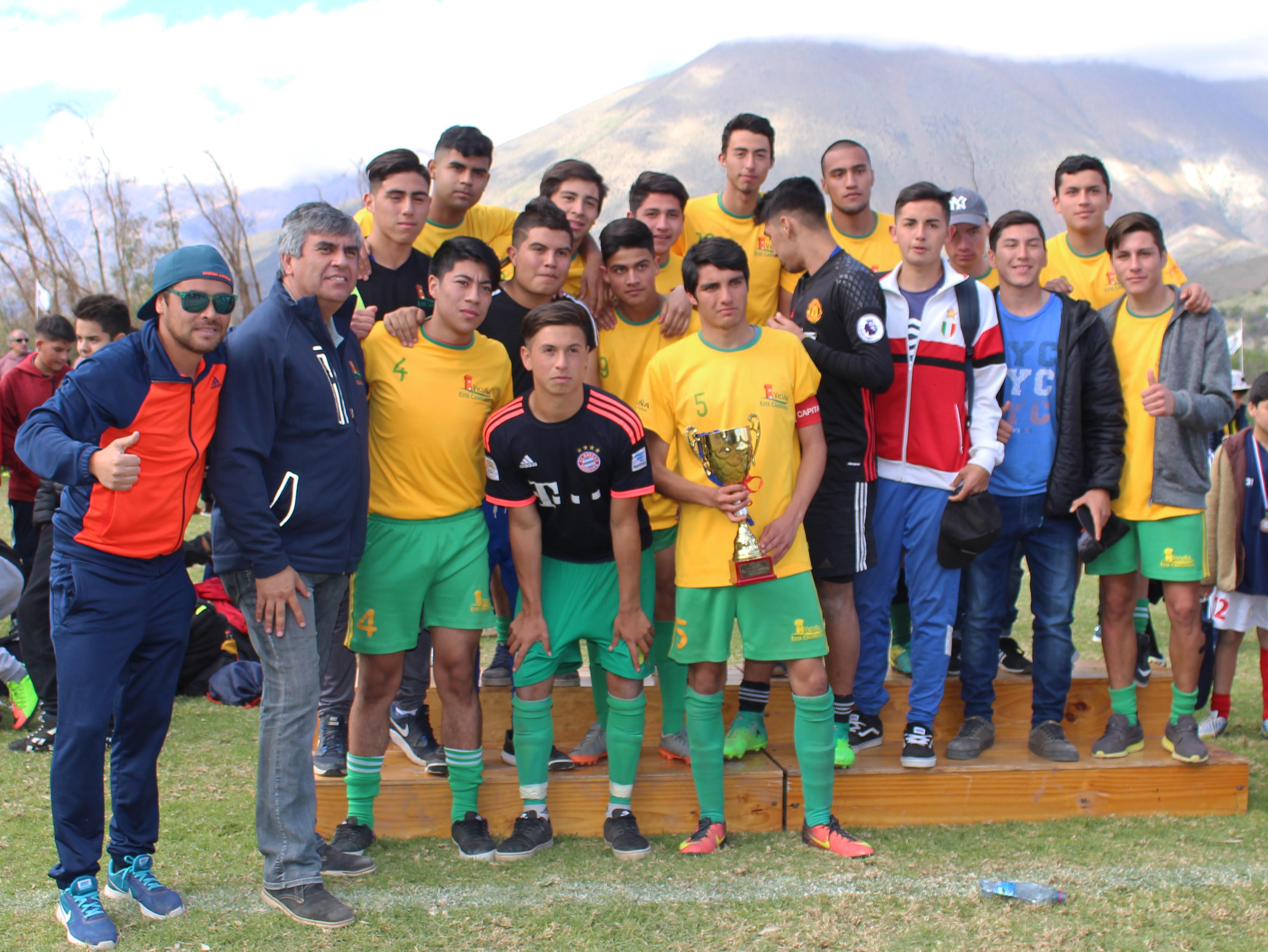 Photo of Más de 700 jóvenes disputaron la 5ta versión del campeonato Haciendo Amigos en Vicuña