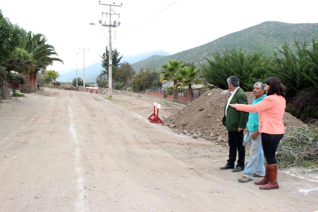 Photo of Valoran comienzo de trabajos de pavimentación en avenida Las Palmeras de Marquesa