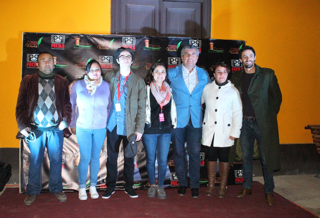 Photo of Los actores Tiago Correa, Javiera Orellana y Lucas Bolvarán estuvieron el 1er día de FECILS en Vicuña