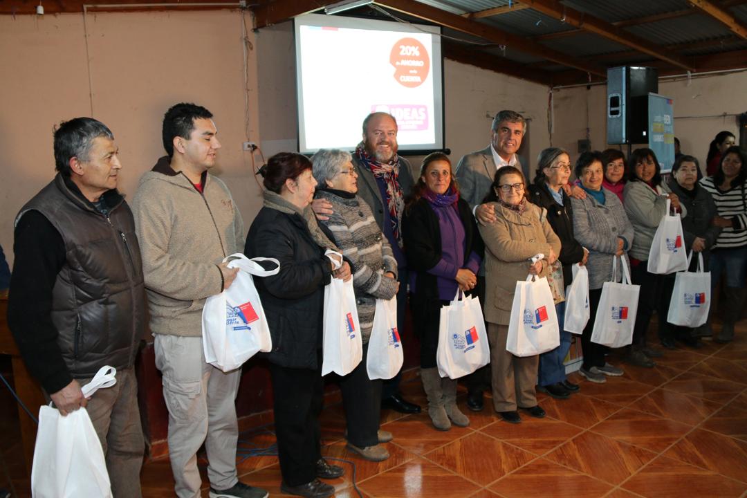 Photo of Más de 100 familias fueron beneficiadas con el Kit de ahorro energético en Hierro Viejo