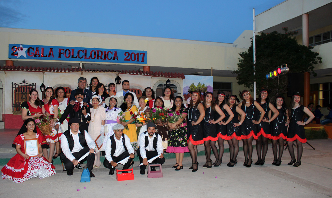 Photo of Comunidad educativa del Colegio Joaquín Vicuña vivió su exitosa 2da gala folclórica