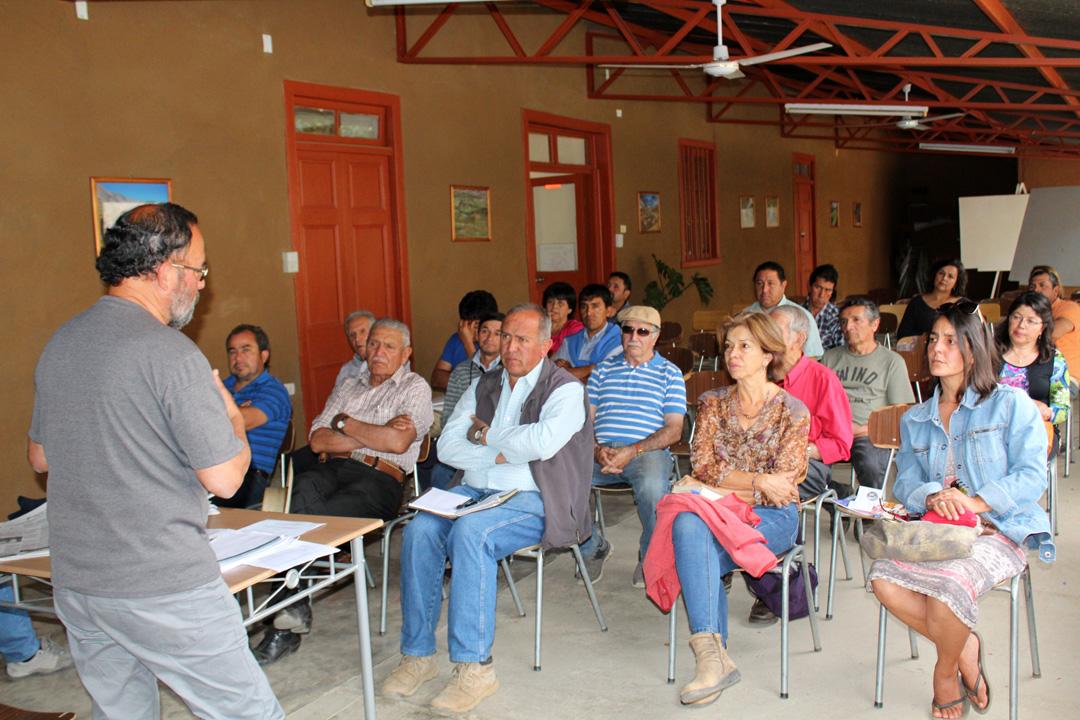 Photo of Regantes del Estero Derecho en la comuna de Paihuano analizan código de aguas
