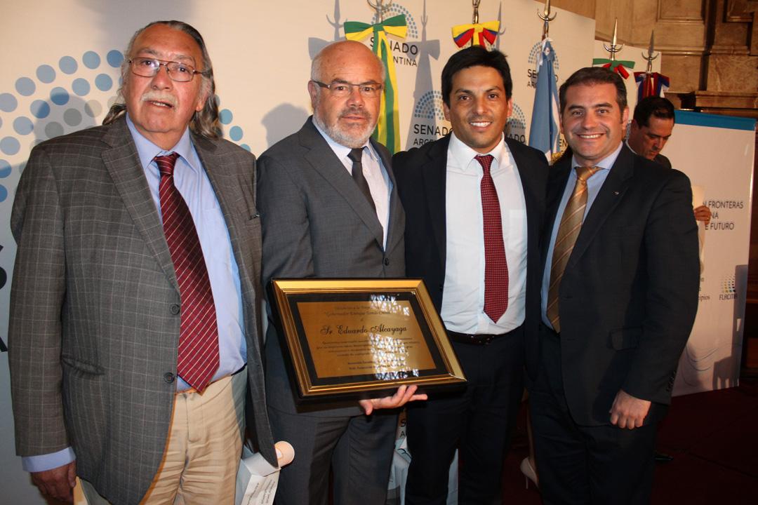 Photo of Consejeros reciben distinción Enrique Tomás Cresto en Argentina por su aporte al desarrollo