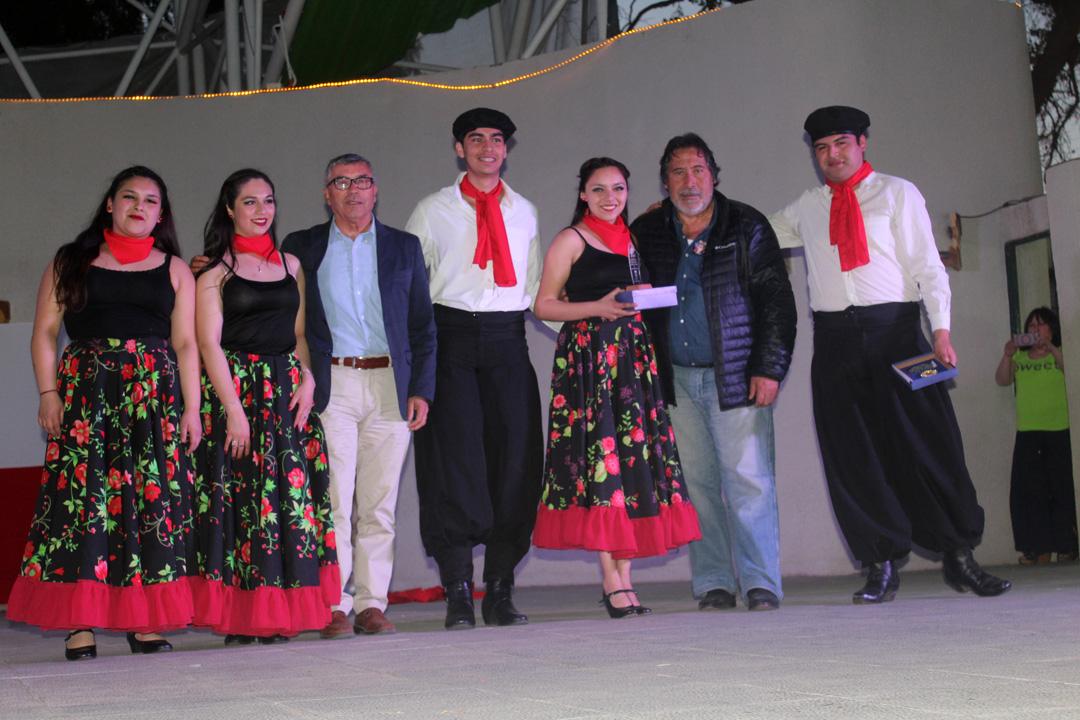 Photo of Carnaval folclórico organizado por el Club de Huasos Chelo Pinto  se tomó la plaza de Vicuña