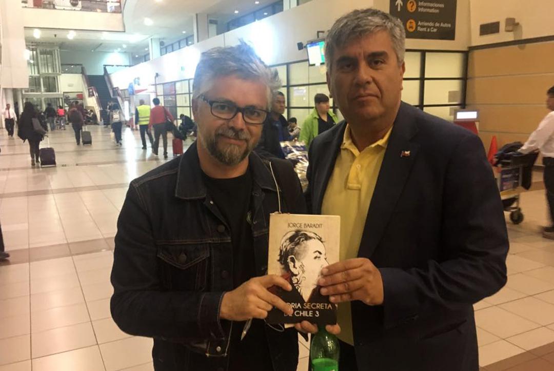 "Photo of Escritor Jorge Baradit respalda la idea de la ""Región de Coquimbo de Gabriela Mistral"""