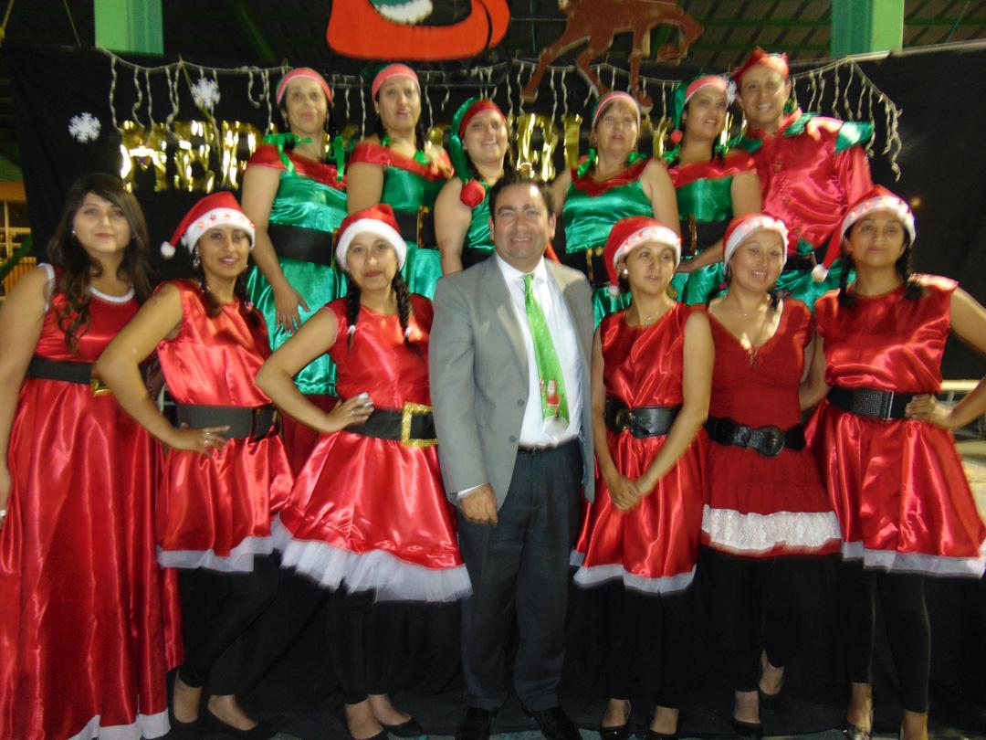 Photo of Escuela Edmundo Vidal Cárdenas de Peralillo celebra gala navideña