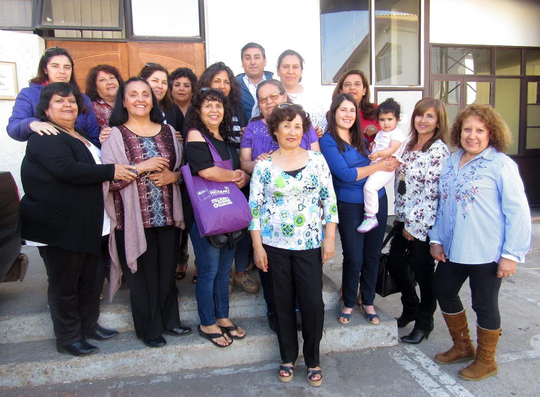 Photo of Mujeres elquinas expresan su opinión para mejorar gestión de Fundación PRODEMU