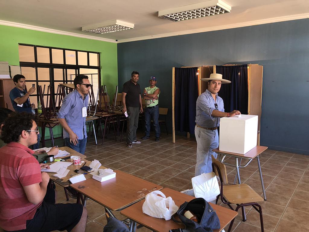Photo of Alcalde Hernán Ahumada resalta compromiso de la gente de Paihuano por el deber cívico