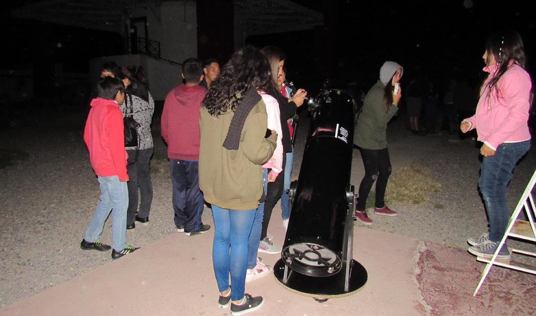 Photo of Niños y niñas del Programa Abriendo Caminos de La Serena disfrutan de tour por el Observatorio Mamalluca