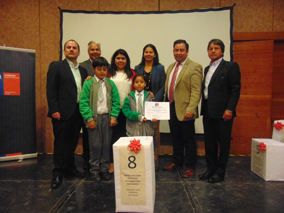 """Photo of Estudiantes ganan  premios de concurso  """"Prácticas de una vida saludable"""" del Minsal"""