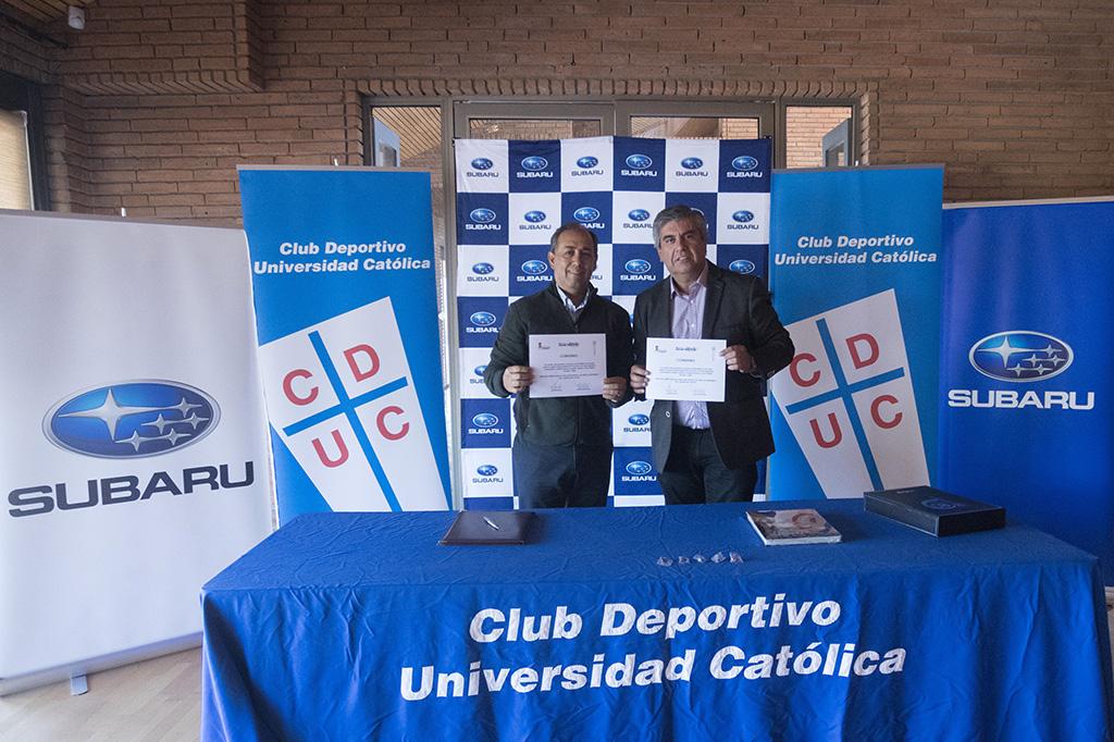 Photo of Club Deportivo Universidad Católica firma acuerdo con la municipalidad de Vicuña para el Cross Triatlón 2018