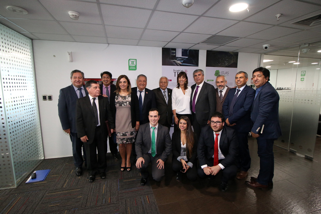Photo of Acuerdan formar una mesa de trabajo entre la Subsecretaria de Turismo y la AMTC