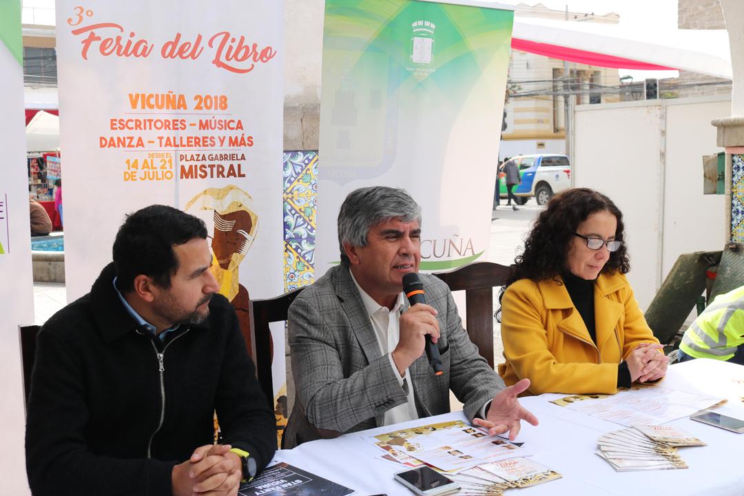 Photo of Dan inicio a la 3° Feria del Libro de Vicuña con una destacada programación