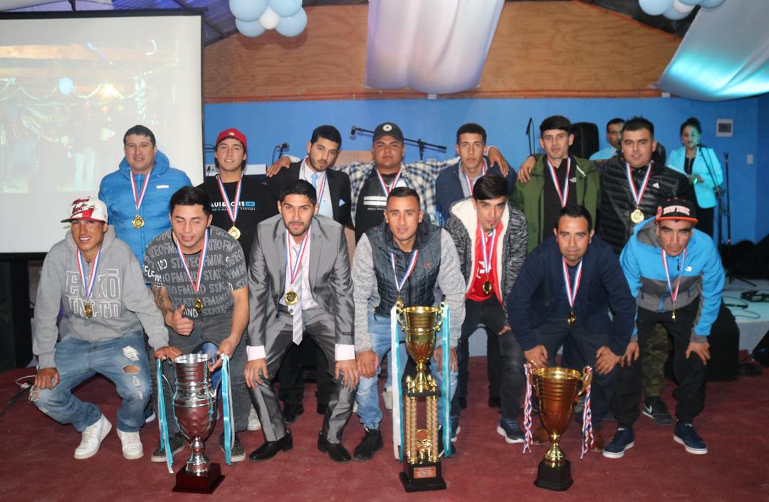 Photo of C.D. Eulogio Cerda celebró su aniversario como tricampeón de la liga rural de La Serena
