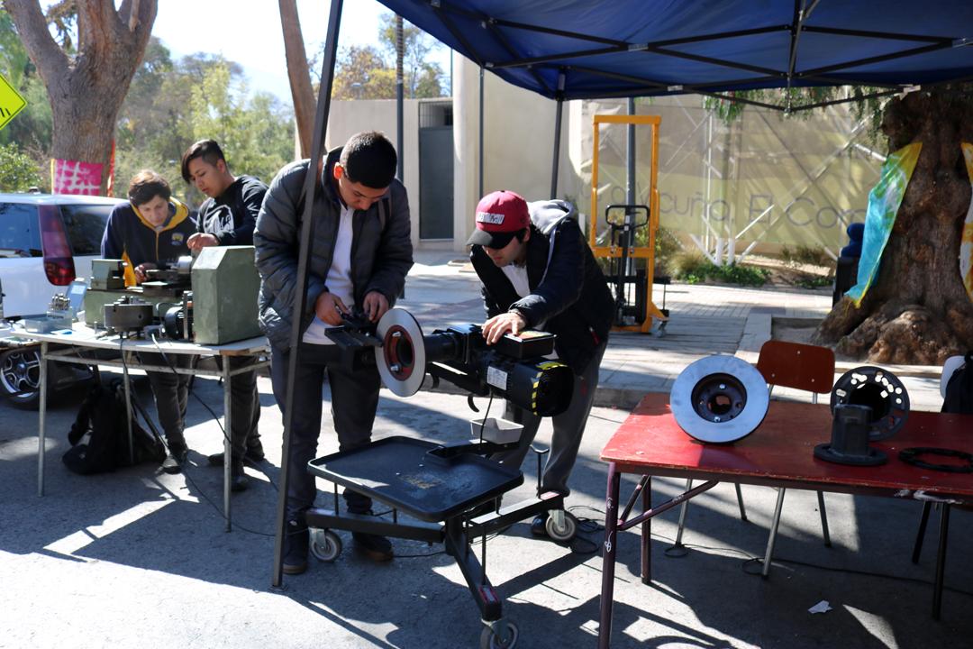 Photo of Con una variada muestra a la comunidad el liceo de Vicuña celebró el Día del Técnico Profesional