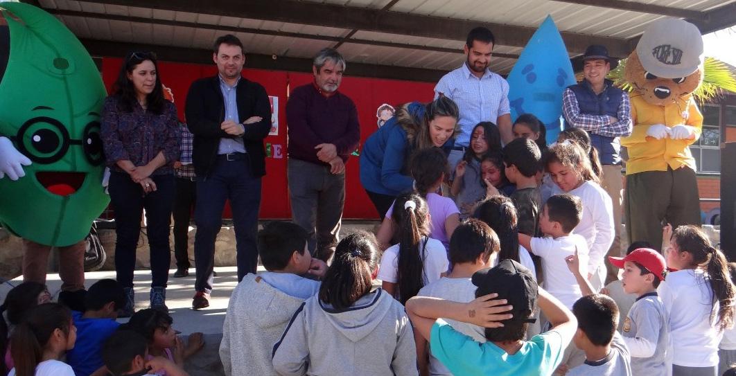 Photo of Niños de escuela rural de Quebrada de Talca aprenden a cuidar el planeta con los servicios del Agro