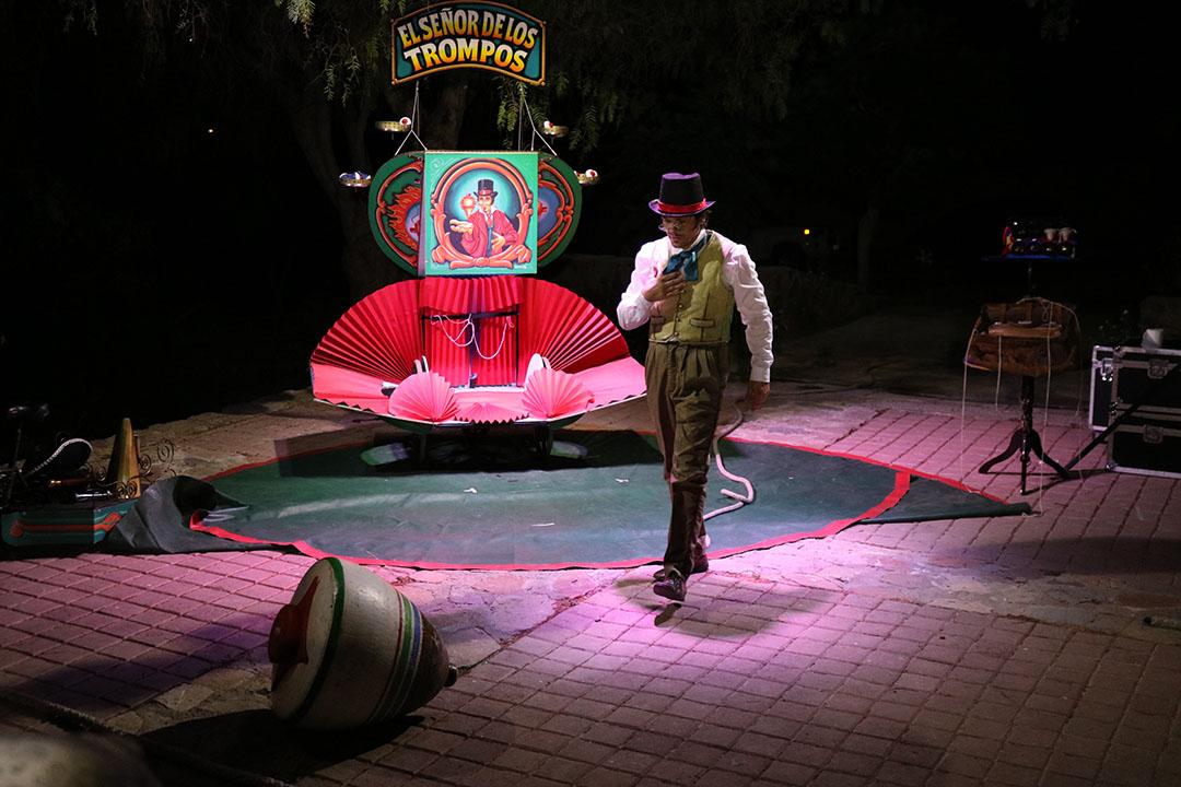 """Photo of Gualliguaica disfrutó del espectáculo circense de """"El Señor de los Trompos"""" en una mágica jornada"""