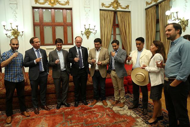 Photo of Respaldo al Pisco Chileno: Ministro Walker recibe Proyecto de Ley que busca regular el ingreso de destilados extranjeros