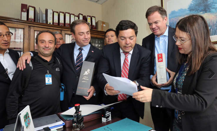 "Photo of Diputados presentan proyecto para prohibir ingreso de ""pisco"" peruano"