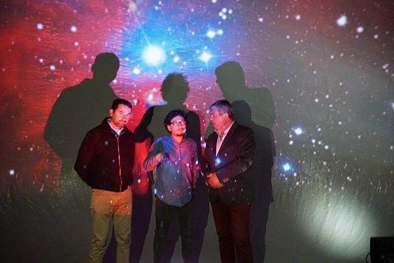Photo of Planetario móvil de la ULS deleitó a los asistentes con proyecciones sobre el universo