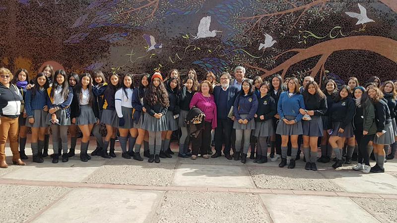 Photo of Silvio Caiozzi y estudiantes de Vicuña dialogan sobre cine