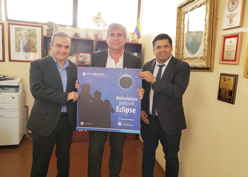 Photo of Aguas del Valle presenta en Vicuña plan especial por eclipse de sol