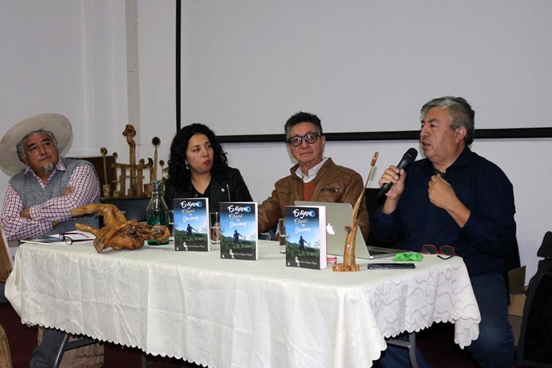 """Photo of Con gran participación se realizó el lanzamiento del libro """"Eclipse en Elqui en Décimas"""" en Vicuña"""