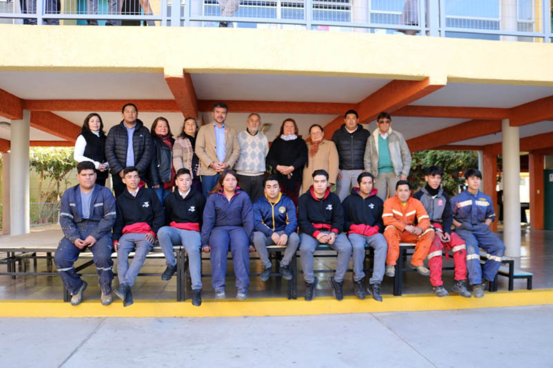 Photo of Colegio Antonio Varas recibe un nuevo escenario de parte del liceo Carlos Mondaca