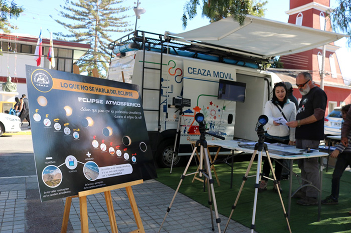 Photo of CEAZA compartió conocimientos con la comunidad vicuñense respecto al  eclipse