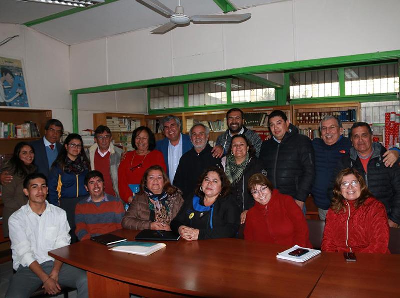 Photo of Liceo Carlos Mondaca Cortés y Municipio de Vicuña definen agenda para trabajo colaborativo