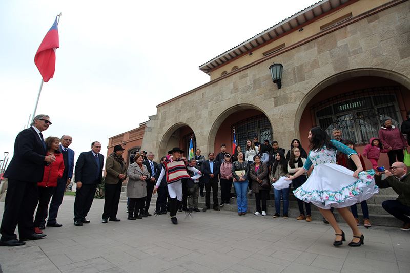Photo of Alumnos de Escuela Gabriela Mistral de Porto Alegre visitan la Ruta Mistraliana en la región