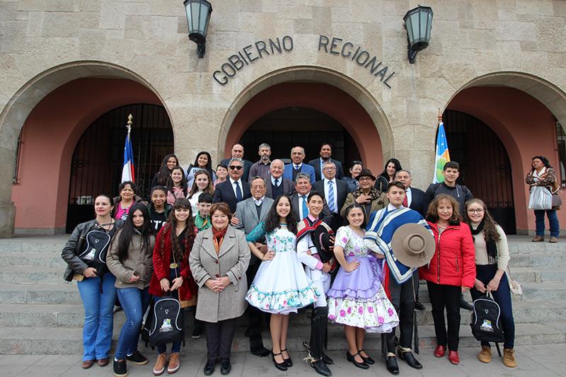 Photo of Con un esquinazo reciben a delegación de estudiantes de la Escuela Gabriela Mistral de Porto Alegre