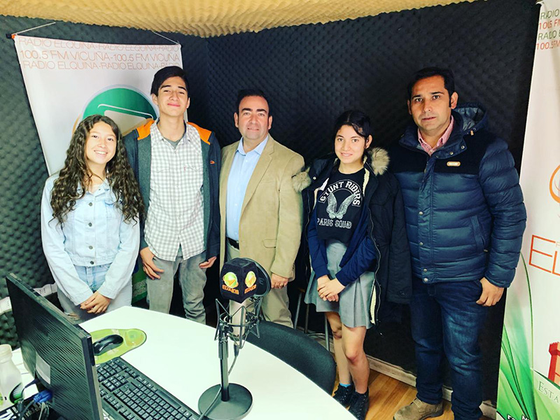 Photo of Estudiantes del colegio Edmundo Vidal Cárdenas de Peralillo realizan pasantía en Estados Unidos