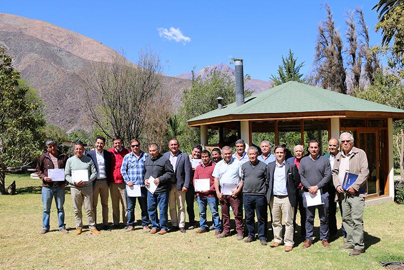 Photo of Presentan exitoso proyecto de reconversión de uva flame en la localidad de Algarrobal