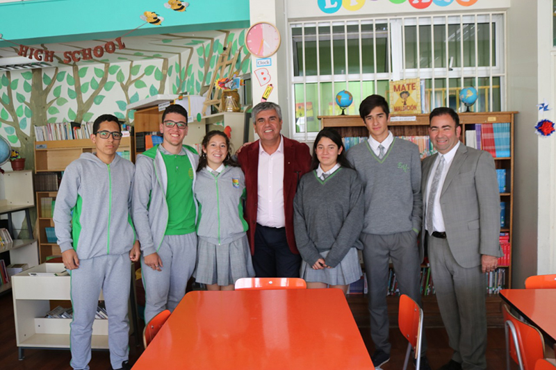 Photo of Por medio de programas de intercambio estudiantes de Peralillo fortalecen su aprendizaje en inglés
