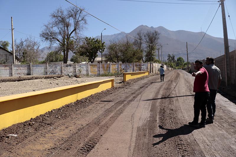 Photo of Municipio de Vicuña realiza arreglos en camino que une las localidades del centro de la comuna