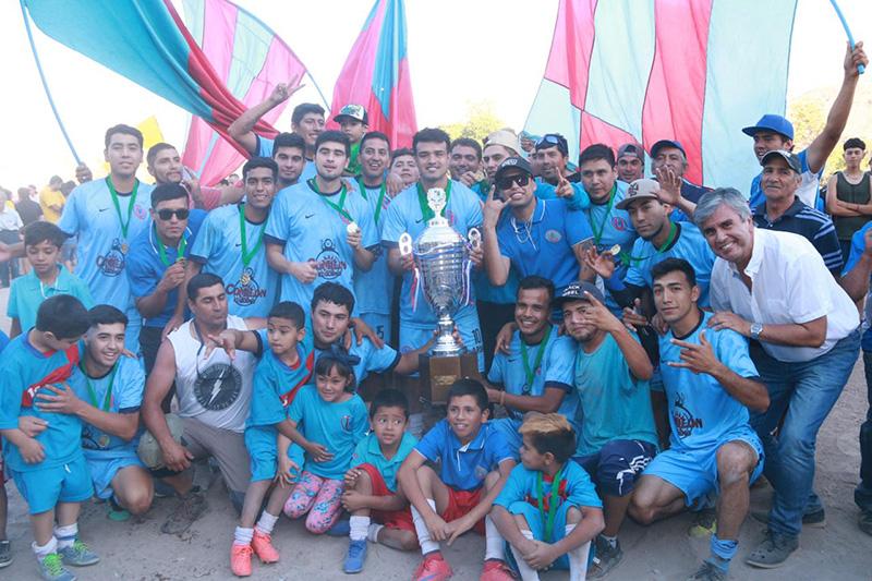 Photo of Luego de tres décadas el CD Unión Miraflores vuelve a levantar la copa de campeón del ANFA