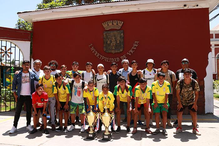 Photo of Escuela de Fútbol Municipal salió campeón en dos categorías en la Copa Ciudad de La Serena